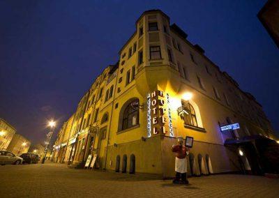 hotel-bartis-noc